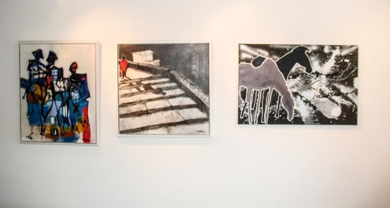 Impression aus der Ausstellung GASTSPIEL, Galerie am Färberbach, Steinbach an der Steyr. v. li. MICHAEL UNTERLUGGAUER (2 Bilder), BERNHARD SCHINKO
