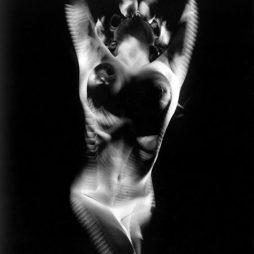 Manfredo Weihs, polaroid, black & white analogphoto, POL - 415, 2000-2016, printed on hahnemuehle fine art photo rag print (308g/m2), printed with 2 cm white border, paper 64 x 84 cm, image size 60 x 80 cm, limited edition of 13 + 2 ap.